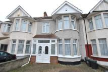 3 bed house in Collinwood Gardens...