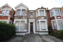 1 bed Flat in Seymour Gardens, Ilford