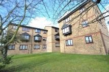 Flat to rent in Blacksmiths Close...