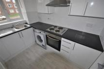2 bed Flat in Plumtree Close, Dagenham