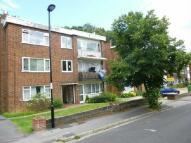 1 bedroom Flat to rent in WOODSIDE ROAD -...