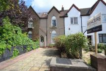 3 bed Flat to rent in Vicarage Road, London