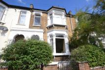 3 bed Terraced home to rent in Leybourne Road, London