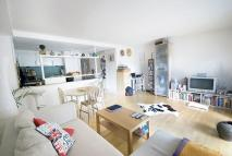 2 bed Flat to rent in The Chronos Building...