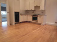 2 bedroom Ground Flat to rent in 1a Cleveland Way...