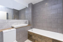 2 bed Apartment in The Apex, 59 Bunhill Row...