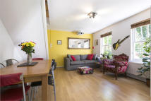 2 bedroom End of Terrace property to rent in Rossendale Way, Camden...