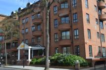 Apartment to rent in Pembroke Road, London, W8