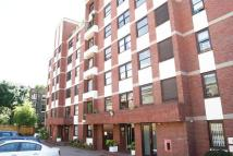 2 bedroom Ground Flat to rent in Lorne Gardens, London...