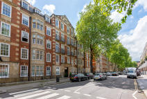 3 bed Apartment to rent in Redcliffe Gardens...