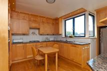 Flat to rent in Firecrest Drive, London...