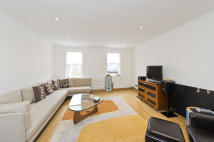 4 bed house to rent in Flask Walk, London, NW3