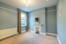 4 bed house to rent in Lisburne Road, London...