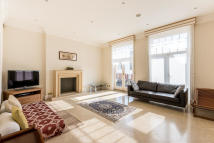 3 bed Apartment in West End Lane, London...