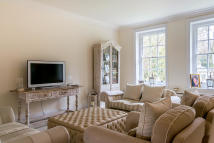 2 bed Apartment to rent in Hampstead Lane, London...