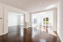 6 bedroom Apartment to rent in Finchley Road, London...