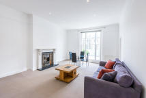 3 bed Apartment in Upper Park Road, London...