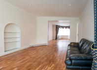 Gloucester Gardens Apartment to rent