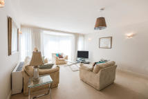 3 bed Apartment in Queens Terrace, London...