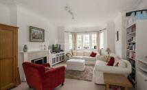 Tudor Close Apartment to rent