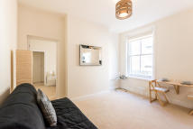 Apartment to rent in Frognal, Hampstead, NW3