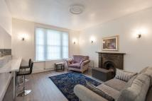 3 bed Apartment in King Henrys Road...