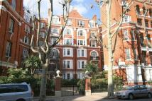 3 bedroom Flat in Fitzjames Avenue, London...