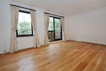 3 bedroom property to rent in Windsor Way, London, W14