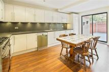 4 bed Flat in Windsor Way, London, W14