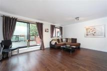 Flat in Stuart House, London, W14