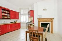 Flat to rent in Fitzjames Avenue, London...
