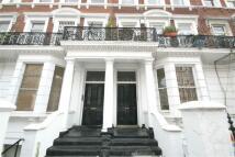 2 bedroom Flat in Maclise Road, London, W14