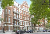 4 bed Flat for sale in Fitzgeorge Avenue...