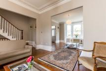 5 bed semi detached home to rent in Bishops Road, London, N6