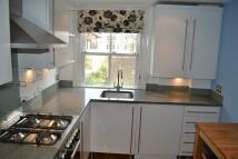 2 bedroom Flat to rent in WARRENDER ROAD, London...