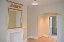 End of Terrace house to rent in First Street, Chelsea...
