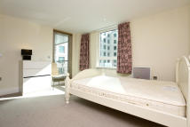 Apartment to rent in ST GEORGE WHARF, London...