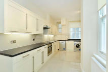 3 bed Apartment in Coleherne Court...