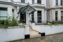 2 bedroom Flat in Holland Park, London, W11