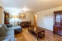 Apartment in Harewood Avenue...