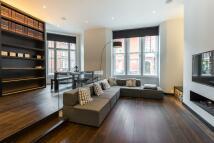 Duplex to rent in Green Street, Mayfair...