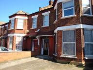 3 bedroom Flat in Fordwych Road