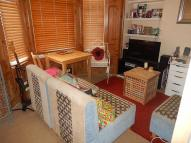 Flat to rent in Overstone Road