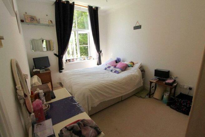 06 - Bedroom 1