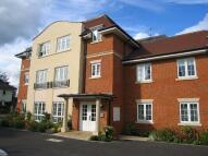 2 bedroom Ground Flat to rent in Catherine Road, Newbury...