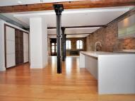 Apartment in Limehouse Wharf...
