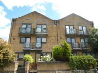 Apartment to rent in Falcon Way, London, E14