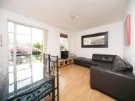 2 bed Apartment to rent in Watergardens, London, E14