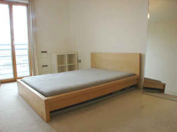 (Bedroom)