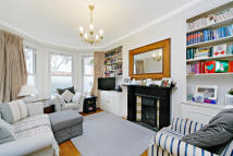 4 bed property to rent in Heythorp Street, London...